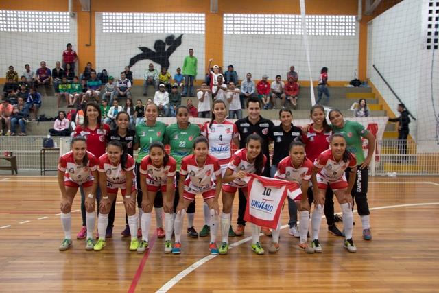 Futsal feminino de Taboão encerra 2014 com balanço positivo a1ff9a6b8b724