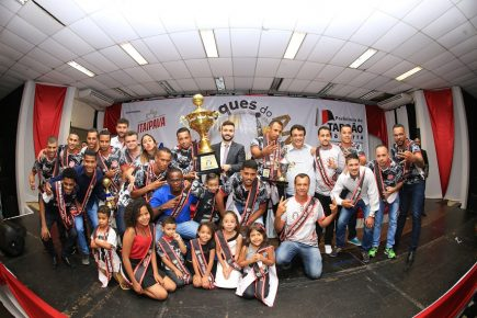 Foto 01 – 6ª edição do Craques do Ano premia destaques do futsal e futebol  de campo taboanense em 2018 775a2a12376a4